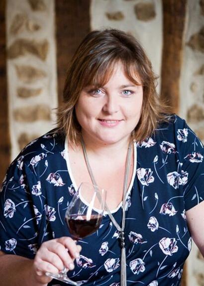 Magali Bernard viticultrice au domaine du Clos du Roi à Coulanges la Vineuse